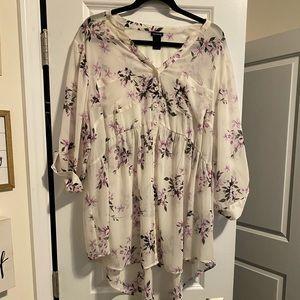 Torrid Size 3 White & Purple Floral Blouse